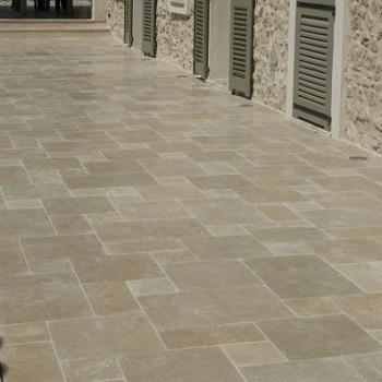 Bouw punt de witte promoties natuursteen kleiklinkers for Bruine tegels